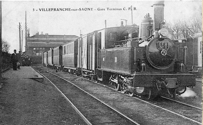 locomotive en gare du Beaujolais